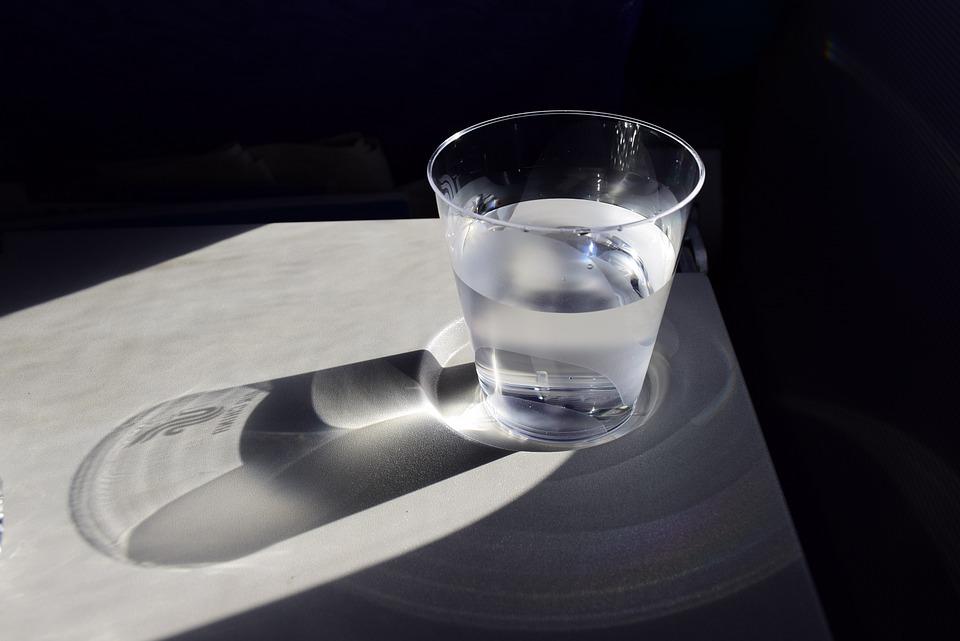 Manfaat minum air hangat