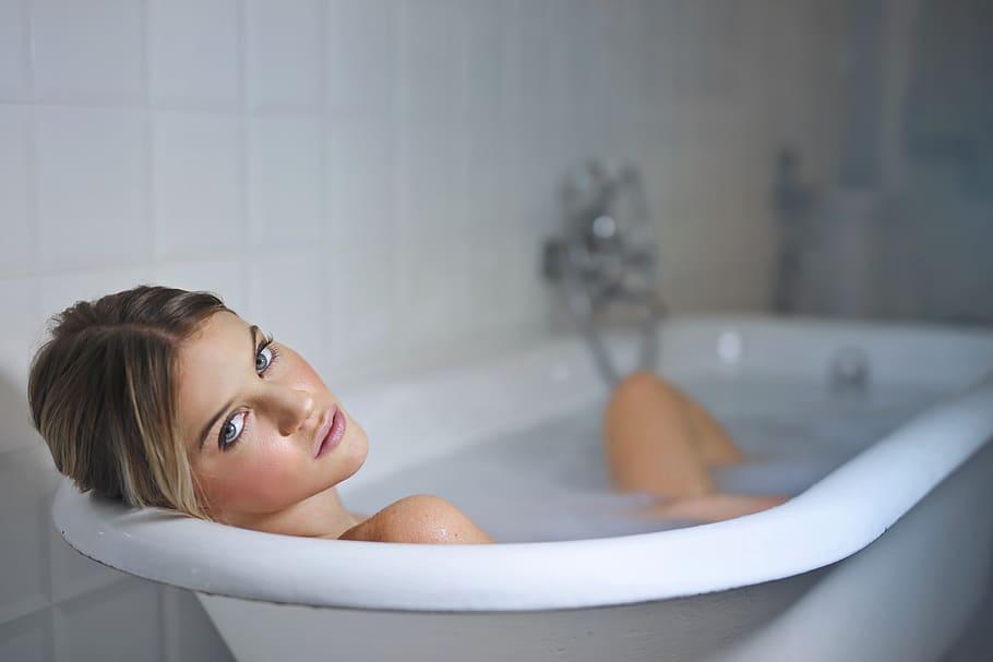 Manfaat mandi air hangat untuk kesehatan