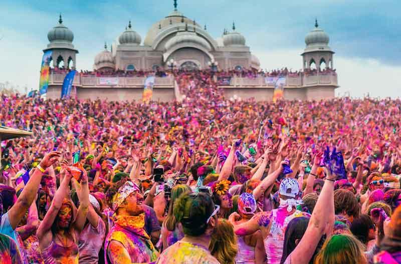 Festival Terbesar Holi