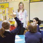 5 Cara Agar Menjadi Guru yang Disukai Murid-muridnya
