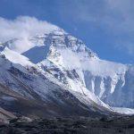 5 Gunung Tertinggi di Dunia yang Menjadi Destinasi Favorit Pendaki