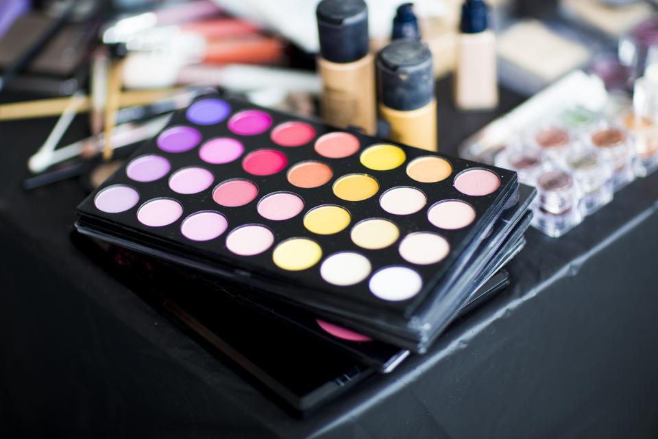 Cara Membersihkan Makeup Wajah