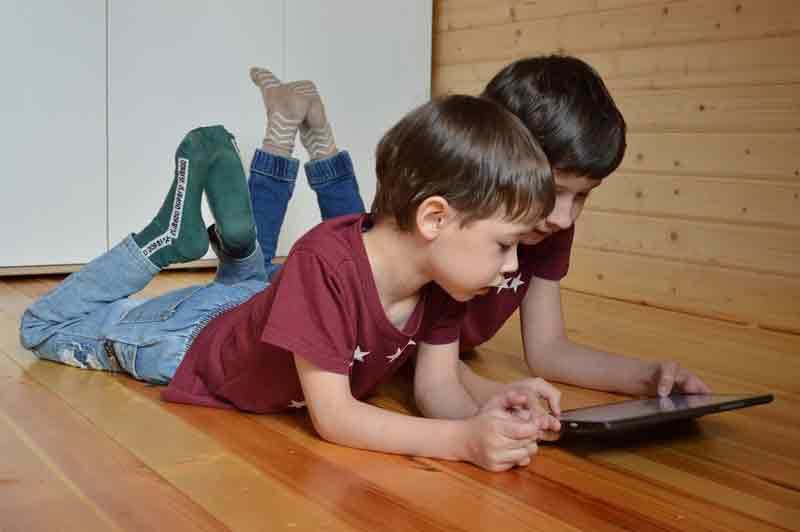 Cara Menghilangkan Kecanduan Gadget pada Anak